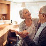 Какие слуховые аппараты подходят для пожилых людей