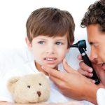 Заметили снижение слуха у ребенка — бегом к врачу!