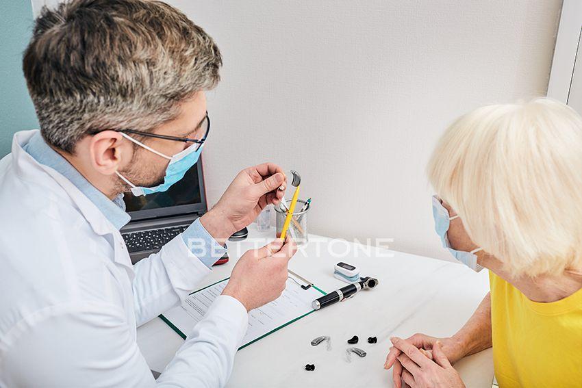 как исправить неполадки слухового аппарата дома фото